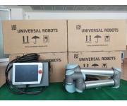 Robot industriali UNIVERSAL ROBOTS Usato