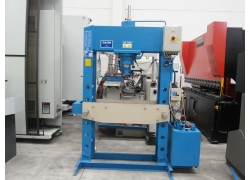 Vendita presse oleod idrauliche art 164 r omcn usato for Vendita presse usate